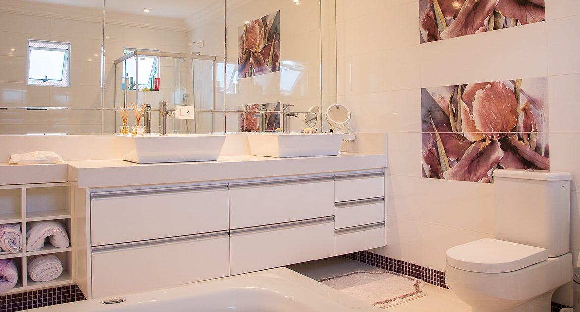 Come decorare il bagno stunning come arredare un bagno lungo e